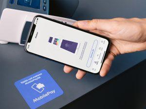 MobilePaylla voi maksaa myös 50 euron lähimaksurajan ylittävät ostokset koskematta käteiseen, kortteihin tai maksupäätteeseen